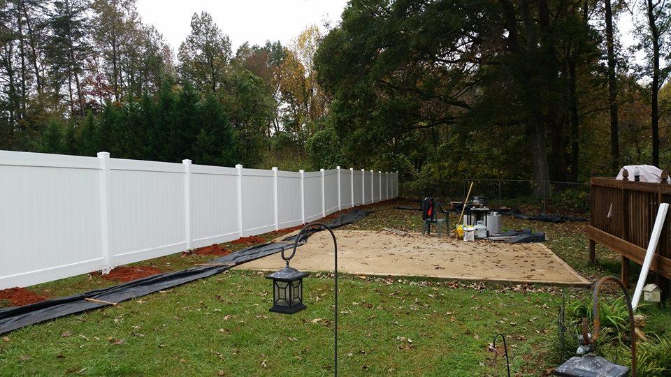 Vinyl Fence Installer Contractor Columbia SC